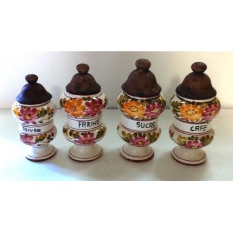 Lot de 4 anciens pots a épices en céramique + couvercle