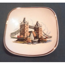 Ancien ramasse monnaie coupelle porcelaine anglaise tower bridge