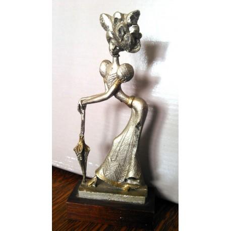 Collection !! ancienne décoration femme en étain peltro cesellato italy be (02)