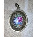 Très ancien médaillon métal + céramique fleuris date et matière inconnue