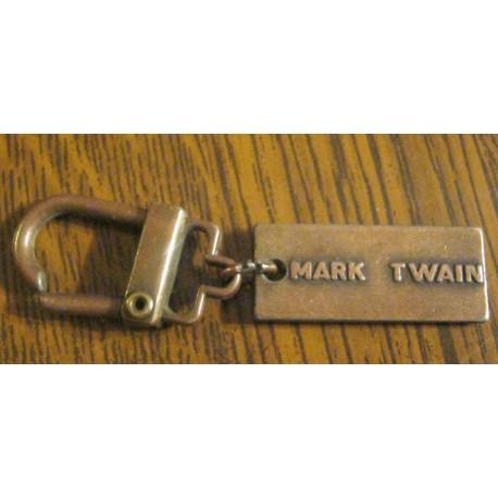 """Ancien porte clé publicitaire """" MÉTAL MARK TWAIN """""""