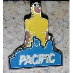 Ancien pin's collection pacific + attache métal
