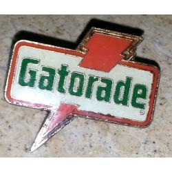 Ancien pin's collection gatorade + attache métal