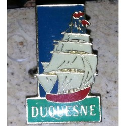 Ancien pin's collection duquesne + attache métal