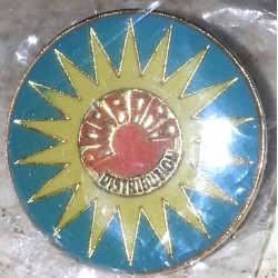 Ancien pin's collection barbara distribution + attache métal
