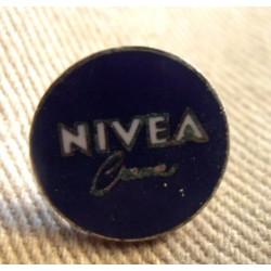 Pin's collection publicitaire NIVEA sans attache