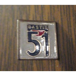 Ancien Pin's collection publicitaire PASTIS 51 sans attache 02