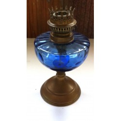 Collectionneur ancien pied de lampe à pétrole pied en cuivre réservoir verre bleu