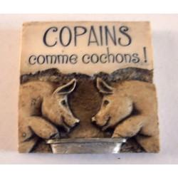 MAGNET DÉCO RELIEF 3 D 7 X 7 CM RÉSINE COPAINS COMME COCHONS ... NEUF IDÉES CADEAUX COLLECTION