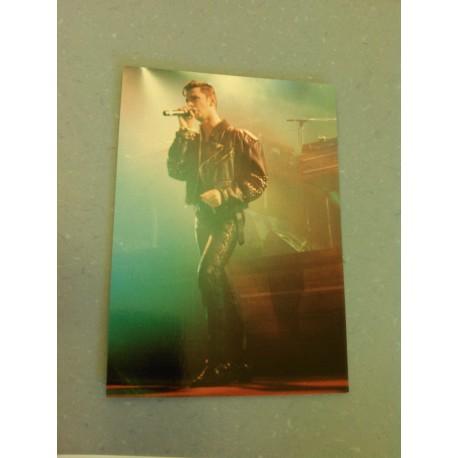 Carte Postale de Star - People - Chanteur concert cuir