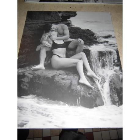 POSTER DECORATIF (35x28cm) Couple devant cascade