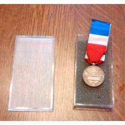 Collectionneur ancienne médaille francaise travail commerce industrie Mourgeon