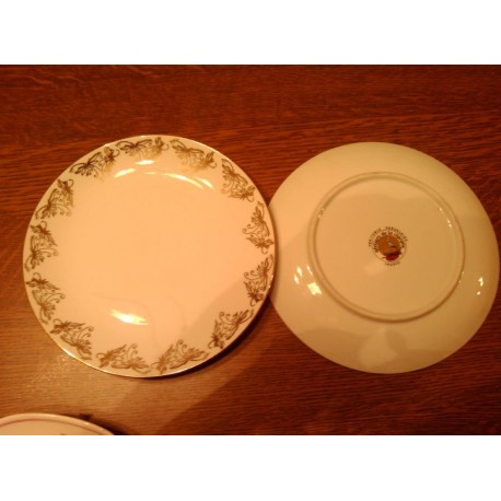 lot de 2 assiettes a desserts doré ateliers de la cigogne porcelaine tbe