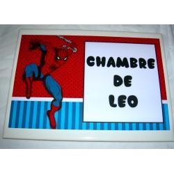 Décoration Chambre de Léo Spiderman sur faience idée cadeau naissance anniversaire neuve emballée