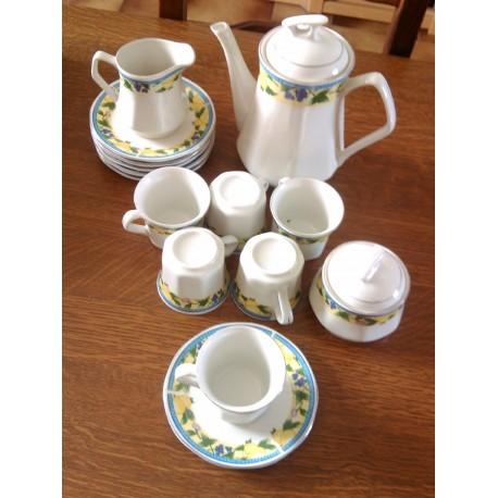 lot service cafe é 6 tasses + cafetière + soucoupes+pot a lait + pot a sucre
