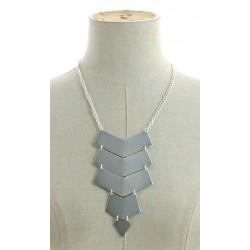 Collier plastron pendentif forme géométrique métal argenté diverses occasions mariage baptême communion NEUVE