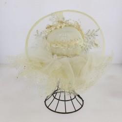 Chapeau de cérémonie orné fleurs et des perles brillants cérémonie mariage bapteme anniversaire communion plage neuf
