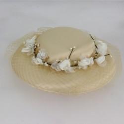 Chapeau de cérémonie avec voilette et fleurs autour femme demoiselle d'honneur mariage baptême communion neuf