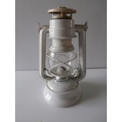 Ancienne lampe à pétrole émaillée blanc