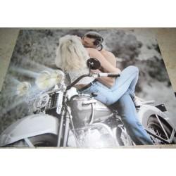 POSTER DECORATIF (35x28cm) COUPLE ENLACES SUR MOTO