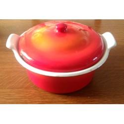 Ancienne casserole émaillée rouge vintage avec couvercle